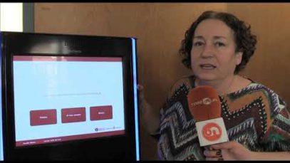 La Biblioteca del Casino de Manresa inaugura el nou servei d'autopréstec per radiofreqüència