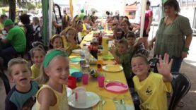 Els verds i els grocs, de Festa Major