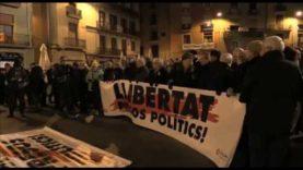 Concentració a la plaça major de Manresa contra la decisió del jutge de mantenir presó pels Jordis, Junqueras i Forn