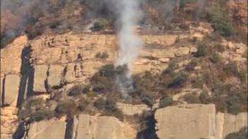 Un incendi crema des d'ahir als Cingles de Sant Salvador de l'Espunyola