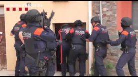 Els Mossos d'Esquadra detenen els implicats en el robatori per encastament al Centre Gràfic