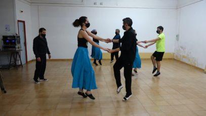 L'esbart del Casal Cultural Dansaires Manresans recupera activitat coincidint amb la setmana del dia internacional de la dansa
